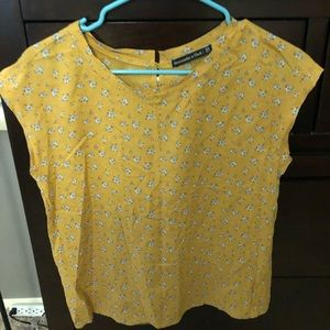 Abercrombie & Fitch flower top